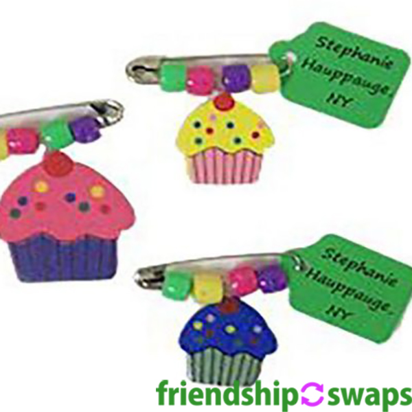 Find a lot of ideas to create your own cookie and birthday swaps. We have so many ideas and occasions to use these swaps for. #friendshipswaps #swaps #girlscouts #girlscoutsswaps #birthday #cookies #specialoccasions
