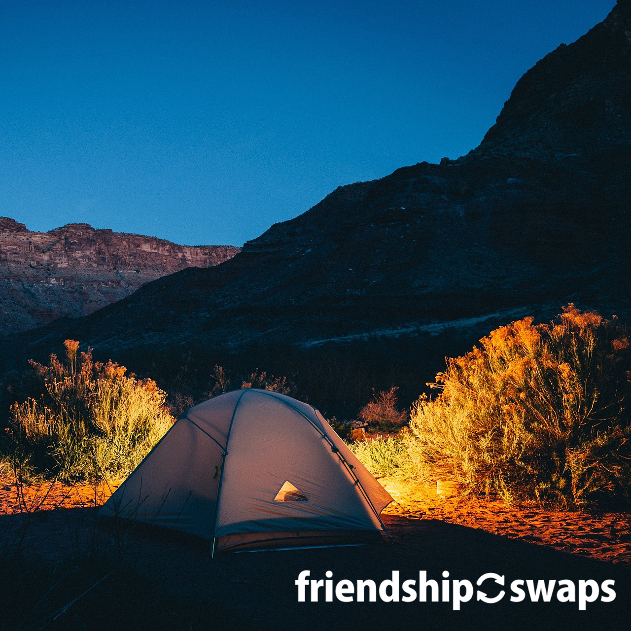Look no further for all the camp swaps you can imagine. We have compiled a list of the most popular and easy to make camp swaps! #friendshipswaps #swaps #girlscoutswaps #girlscouts #tradition #trading